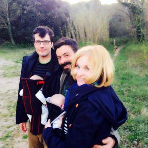 Paseo por el campo con la mochila Babybjorn