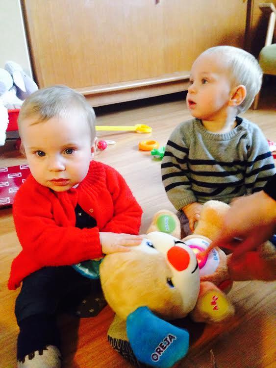 gemelos de un año