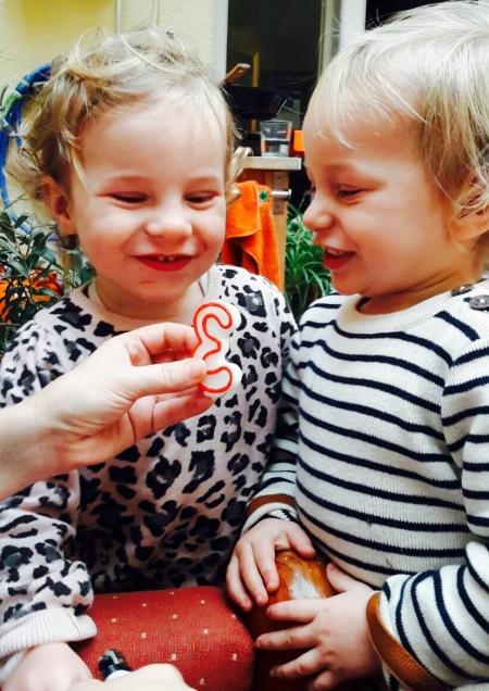 gemelos dos años